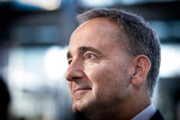 Mærsks bestyrelsesformand Jim Hagemann Snabe må ligge vågen om natten og frygte den tagsten, der risikerer at ramme hans topchef Søren Skou. Rettidig omhu?
