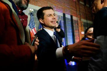 Den 38-årige tidligere South Bend-borgmester, Pete Buttigieg, erklærede sig som sejrherre under valgnatten i Iowa, uden at der forelå officielle resultater.