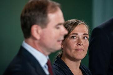 Finansminister Nicolai Wammen (S) og social- og indenrigsminister Astrid Krag (S) har smidt de Konservative ud af forhandlingerne om en ny udligningsreform.