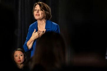 Den kontante senator Amy Klobuchar synes nu at være det eneste reelle bud på en mulig kvindelig demokratisk præsidentkandidat.