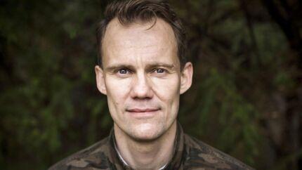 Kommunikationschef og forfatter Niels Overgaard har fundet nøglen til ro i sit arbejdsliv. Han er aktuel med bogen »Det hele handler ikke om dig. Antikke principper for et liv med sindsro, frihed og mening.«