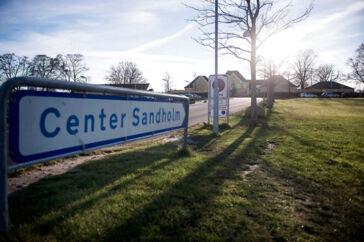 Alle nyankomne asylansøgere indkvarteres i Center Sandholm i 14 dage efter indrejse og bliver helbredstjekket.