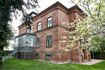 Frederiksbergs dyreste hus til salg koster 45 mio. kr. og ligger på Chr. Winthers Vej med få hundrede meter til både Gammel Kongevej og Falkoner Allé og Landbohøjskolens Have som »baghave«.