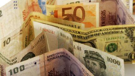 Nordea venter, at amerikanske dollar skal styrkes yderligere over for danske kroner i løbet af 2015.