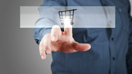 Flere virksomheder sælges online. Der er kommet mere gang i handlen med virksomheder online. Iværksættersitet Amino melder om en forøgelse af annonceudbuddet på knap 60 pct. i de seneste tre måneder.