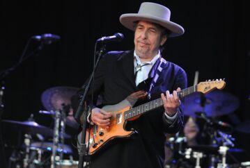 I den nye bog 'Jokeren og tyven' (citat fra sangen 'All Along the Watchtower') lærer vi en helt ny side af Bob Dylan at kende. Foto: AFP