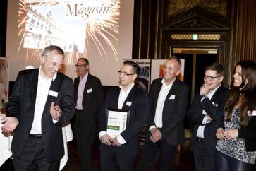 Den prestigefyldte MMM-pris gik sidste år til Magasin du Nord. Her ses administrerende direktør Peter King (tv.) ved prisuddelingen.
