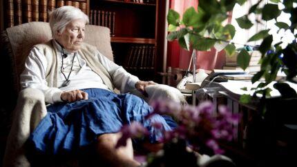 »Èt bad om ugen er et absolut lavmål. For mig var det en stor lykke, da jeg fik lov til at få to. Et er for sjældent,« siger 91-årige Inger Carlsen.