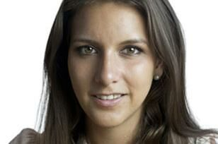 Den 28-årige politiker, Lillian parker Kaule, der har været den ene af Liberal Alliances medlemmer i Kbh.s Borgerrepræsentation, har meldt sig ud i protest over partifællen Lars Dueholm, som hun beskylder for pamperi og for at give hende mundkurv på.