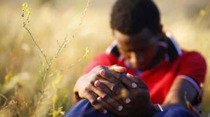 En ung somalisk mand brændte sine fingeraftryk af for at undgå at blive identificeret af de europæiske myndigheder. Det er ikke manden på dette billede.