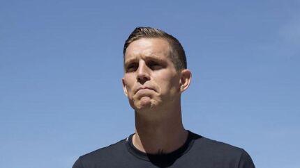 Daniel Agger fortalte torsdag på et pressemøde i sin gamle klub Rosenhøj Boldklub i Hvidovre, at han indstiller karrieren.