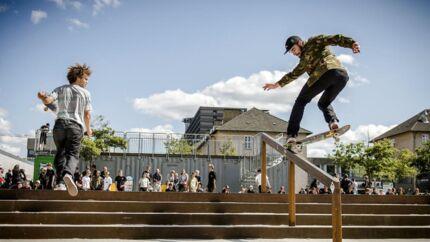 De næste tre dage er Fælledparken rammen for den internationale skateboardkonkurrence Copenhagen Skatepark Open. I dag stod programmet på konkurrence for de dygtigste amatører.