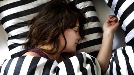 Hvis du sover mere, vil du samtidig begynde at spise sundere, konkluderer et nyt studie fra King's College London.