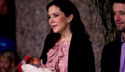 Kronprinsesse Mary er blevet et internationalt trækplaster, hvilket presse fra store dele af verden understregede ved deres tilstedeværelse på Rigshospitalet i forbindelse med fødslen af tvillingerne.